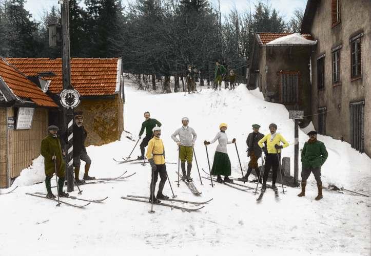 Skiers 1913 copy.jpg